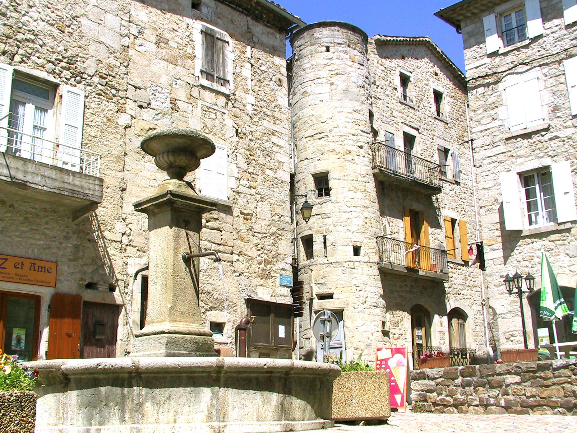 Joyeuse, Ville De Culture Et Dhistoire Blog DÉtoile Gourmande ...